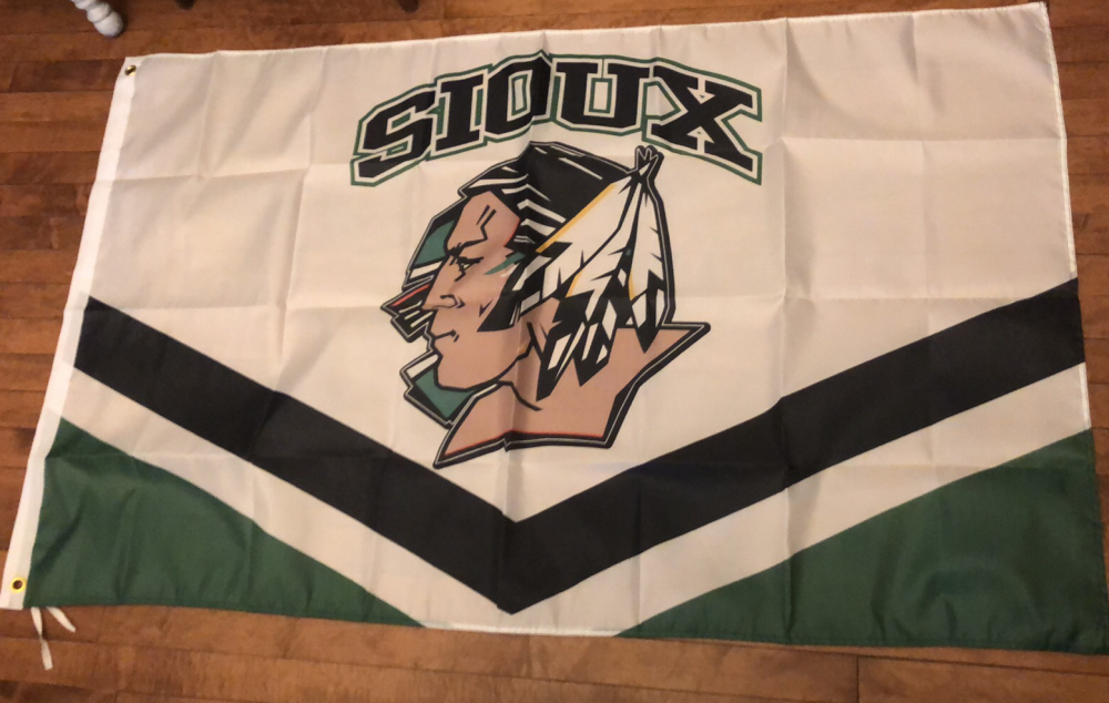 Sioux Jrsy White.png